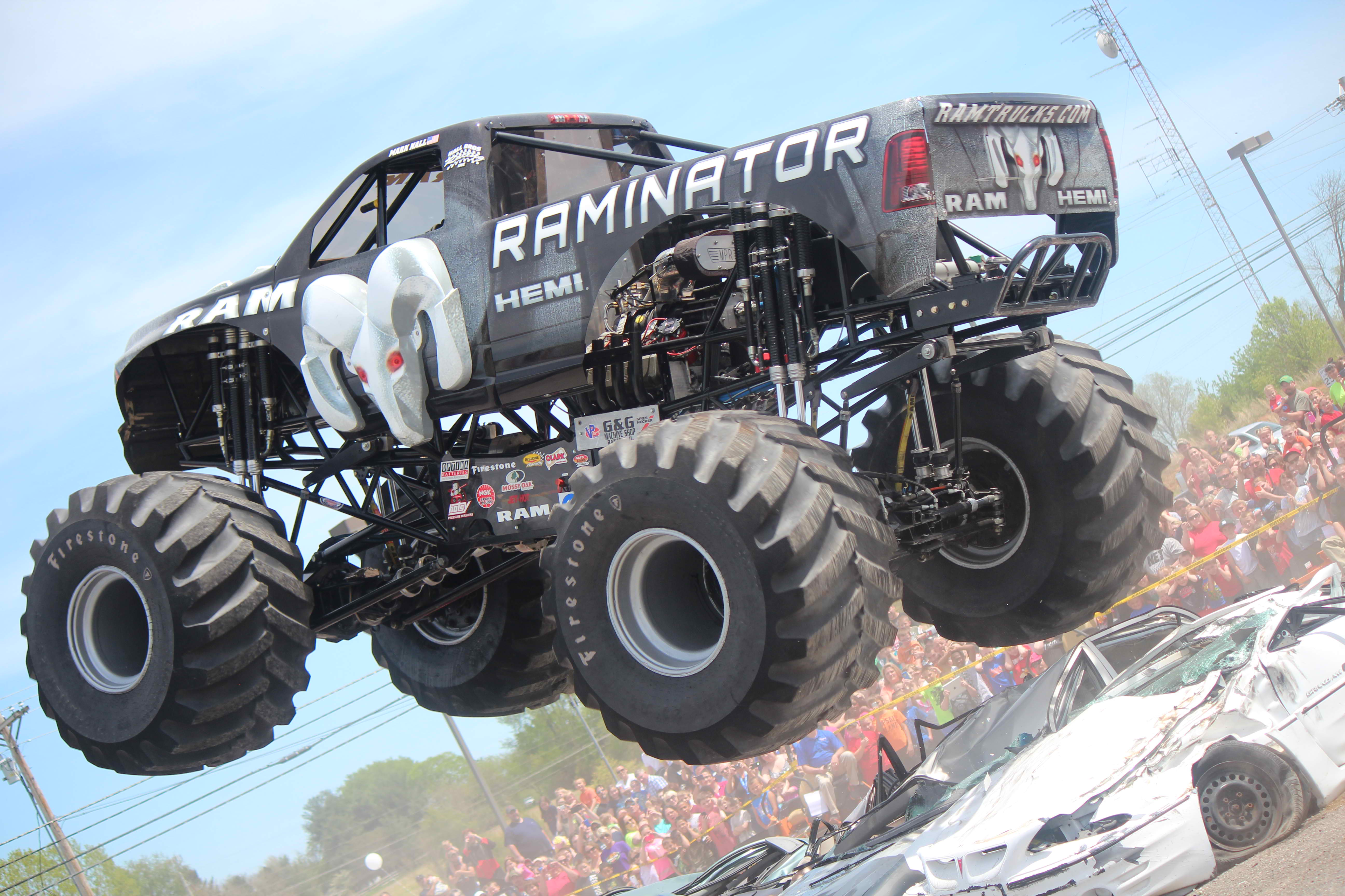 Hall Brothers Racing Secures 11th Thunder Drag Natl